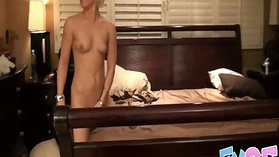 Ash amateur gf lays on bed for bf to fuck her